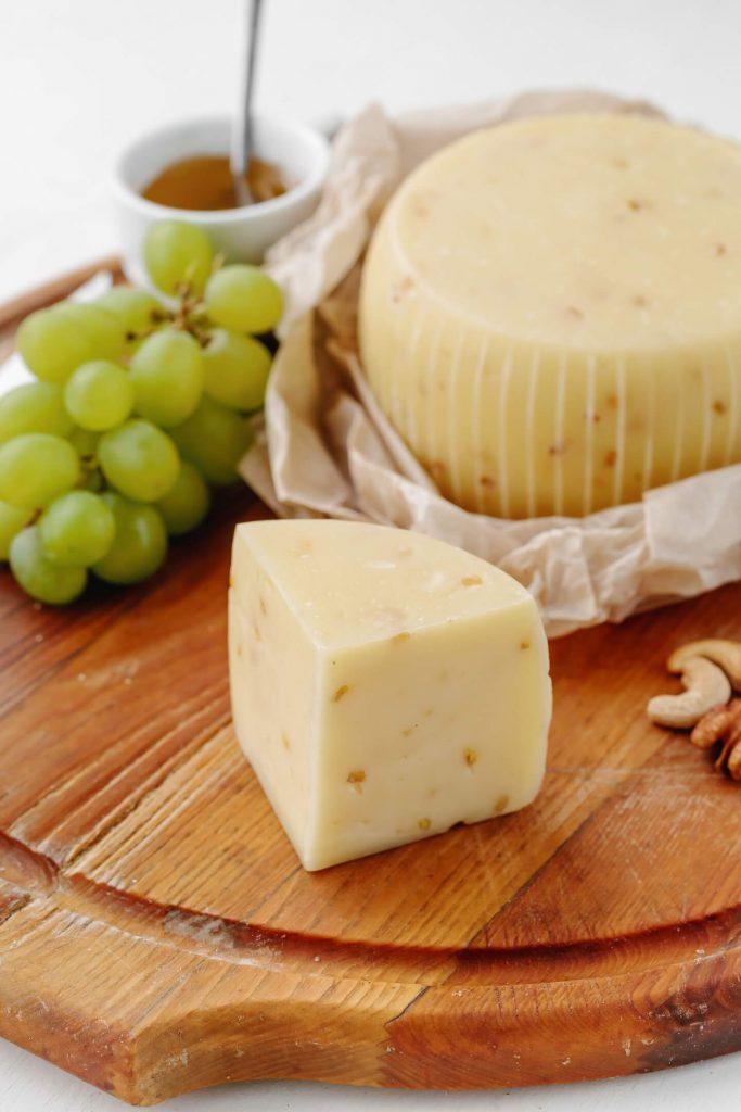 Сыр Качокавалло-с-пажитником