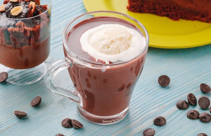 Горячий шоколад с мороженным